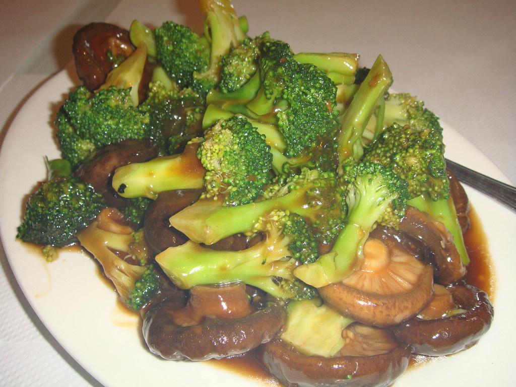 Broccoli & Black Mushrooms