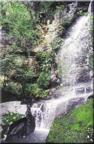 Hike-Waterfal_LightFRAME