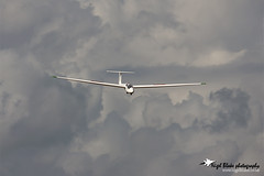 Schleicher ASK-21 G-CFBV (Nigel Blake, 13 MILLION...Yay! Many thanks!) Tags: from london club canon downs photography fly flying aircraft aviation flight aeroplane gliding glider blake nigel dunstable schleicher ask21 eos1dsmkiii gcfbv