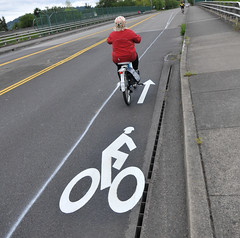 new bike lane on E Burnside over I-205-2-2