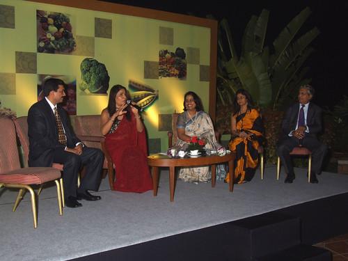 Sanjeev Kapoor, Rashmi Uday Singh and A.P.Parigi with Pratibha & Jigyasa