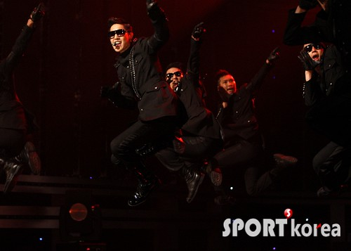 Kim Hyun Joong Comeback on M!Countdown Photos [09.06.11]