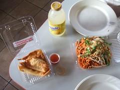 Pad thai and rangoon