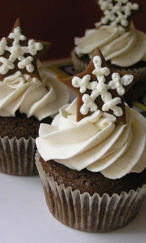 Vegan Gingerbread Cuppers