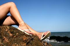 Amiga Sexy (Marcelle_Rocha) Tags: santa sol praia beach mar areia amiga pés catarina thais gravatá vizinha