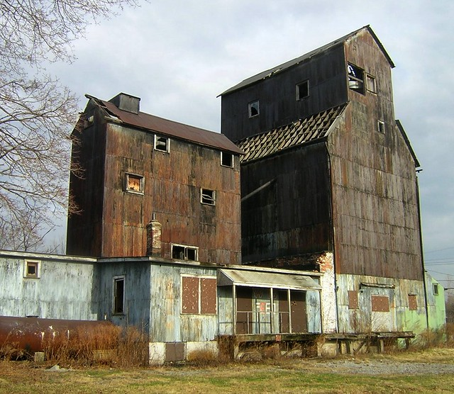 Wollenberg Grain Elevator - January 2006