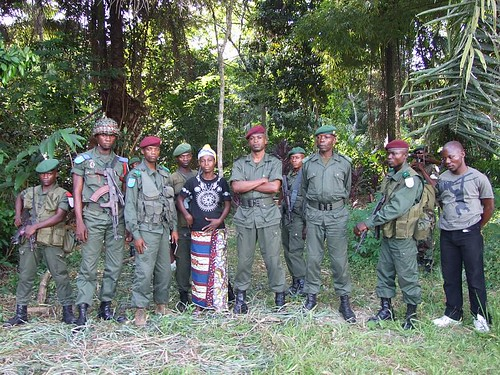 Mama chef (of Obenge) with Major John on her left and the other military