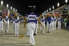 ET Port 170212 059 Portela CF (Valéria del Cueto) Tags: portela ensaiotécnico bateria escoladesamba riodejaneiro samba sapucaí sambódromodarciribeiro apoteose carnaval carnival carnevaleriocom carnevaledirio valériadelcueto azul brasil brazil águia bandeira