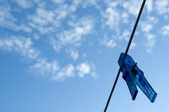 Blue on blue (Wen Nag (aliasgrace)) Tags: blue sky 15fav clouds object single clothespeg clothepin