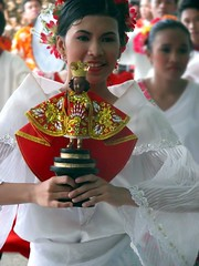 Sinulog Princess (-JD) Tags: red festival canon dance costume princess parade cebu sugbo filipina 2008 nino sinulog babyjesus stonino cebusugbo top20femmes