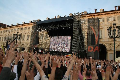V2 day - Beppe Grillo - Torino piazza san Carlo - conclusione V2 day - 25/04/2008