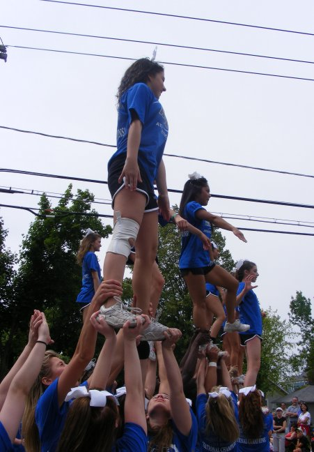 Parade Cheerleaders