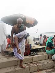 Tying Dhoti 1.11 (amiableguyforyou) Tags: india men up river underwear varanasi bathing dhoti oldmen ganges banaras benaras suriya uttarpradesh ritualbath hindus panche bathingghats ritualbathing langoti dhotar langota