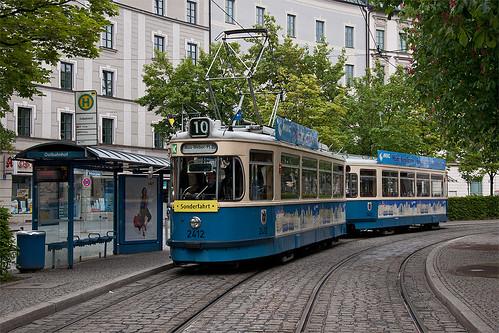 Einsteigen am Ostbahnhof: Die Dankeschönfahrt 2011 beginnt