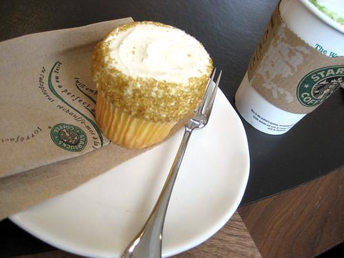 starbucks's vanilla cupcake