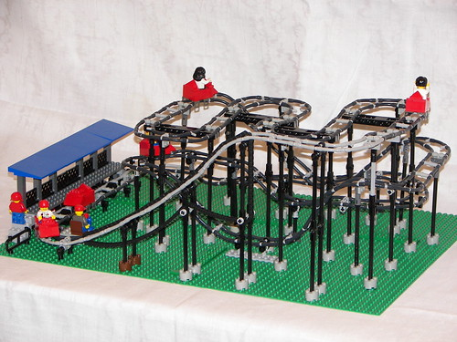 Crazy mouse rollercoaster   The Brothers Brick   The Brothers Brick