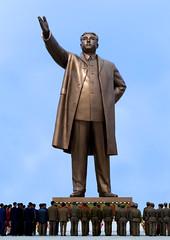 Kim Il Sung North Korea  (Eric Lafforgue) Tags: pictures travel statue bronze del photo war asia republic picture korea il kimjongil korean socialist asie coree norte northkorea nk ideology axisofevil dictatorship  eastasia sung  corea dprk  stalinist juche kimilsung northkorean 4533 lafforgue kimjungil  democraticpeoplesrepublicofkorea  ericlafforgue  koreanpeninsula mansu  coreadelnord   coreedusud dpkr northcorea earthasia juchesocialistrepublic eastasiaasie coreedunord rdpc koreankim jongilkim peninsulajuche  stalinistdictatorship jucheideology insidenorthkorea  rpdc  demokratischevolksrepublik kimjongun coreiadonorte