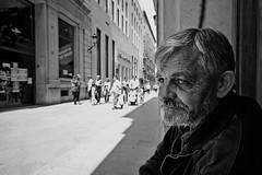 Mirada perdida (José Andrés Torregrosa) Tags: street urban blancoynegro tristeza blackwhite gente murcia urbana mirada hombre joseandres sigma1020mm 40d canon40d josetorregrosa ifotomaratonfotograficolaverdades