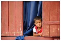 O Guri (Luiz Renato - Luizão (lrbv)) Tags: nikon criança trem ferrugem tempo passado paranapiacaba pobreza d80 lrbv