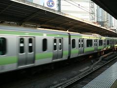 Yamanote Line Train (Not Quite a Photographr) Tags: japan tokyo   2007 yamanoteline jreast  jr e231 e231series