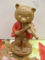 BEAR (Peter-Ashley) Tags: bear york b musician music kitsch musical figurines busker figurine broon happyclappy