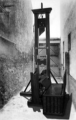 Folie-Regnault Alley (andreobrecht) Tags: death deathpenalty beheading guillotine decapitation fallbeil