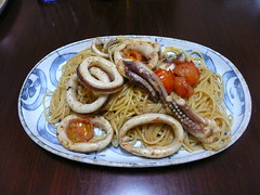 Spaghetti, with squid and guts