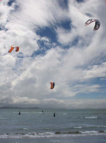 kite surfing sml