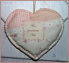 New heart from Anita (Boxwoodcottage) Tags: roses heart lavender fabric caro vichy