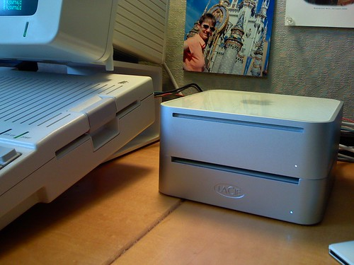 apple computer macintosh hardware mac mini terminal retro serial vt100