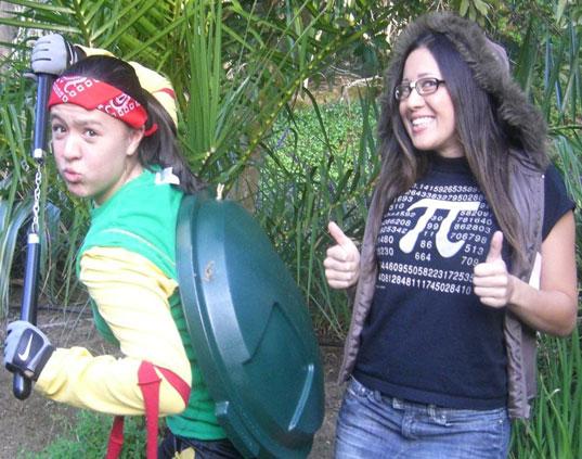 Pilloton Sisters, Emily Pilloton, Maggie Pilloton, Pilloton Sisters, Green Halloween Costumes, Eco Halloween costumes, Inhabitat Green Halloween Costume Contest