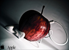Apple (Abdulrahman BinSlmah) Tags: red white apple mac nikon ipod head d300