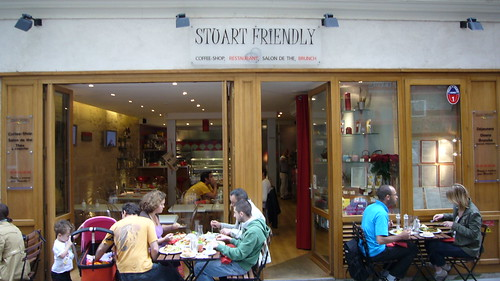 Stuart Friendly restaurant in the Marais