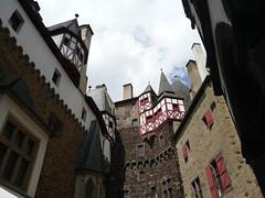 Burg Eltz (64) (O de Andrade (MoScha)) Tags: castle europa europe burgeltz fortaleza reno rhine rhein burg koblenz mosel rheinlandpfalz moselle festung eltz ehrenbreitstein rhinelandpalatinate musel renania mosela palatinado