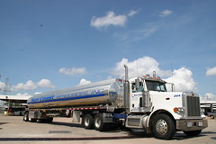 PacLease-Sun Coast Resources-Peterbilt Model 379 delivery