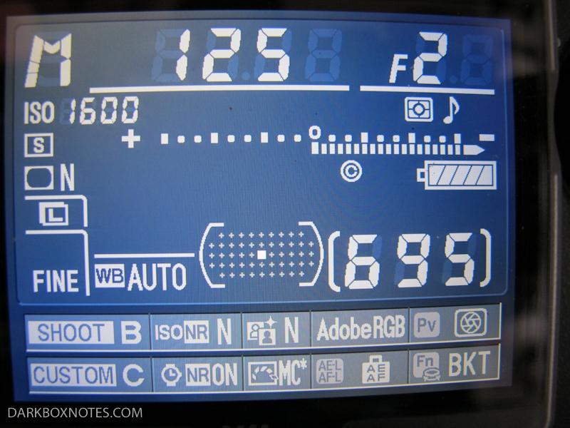 D700 info button