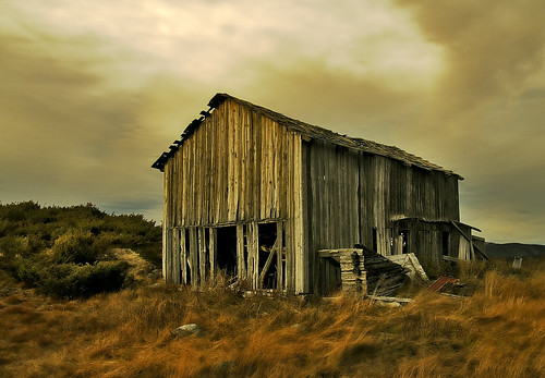 Abandoned barn in HDR