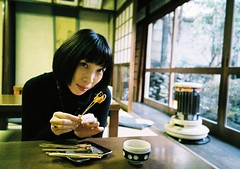 ^^ (yocca) Tags: portrait food woman film me wow japanese kyoto tea natura 100v10f explore stove japanesefood 2008 ricecake natura1600 tatamiroom 10faves naturaclassica aburimochi dec2007 bymmakino portraitaward jan2008 interestingness010529