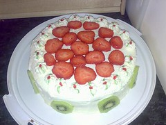 Strawberry and kiwi cake (JDL <3) Tags: pink cake strawberry marzipan