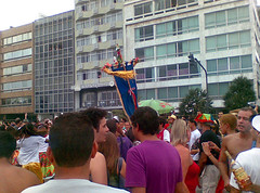 Rio Maracatu (Patricia Haddad) Tags: cameraphone mobile celular carnaval ipanema bloco riomaracatu carnavalriodejaneiro nokia6275 blocodecarnaval blococarnavalesco carnaval2008