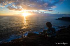 Aorando (La Manigua) Tags: sunset sun sol beach atardecer persona playa puestadesol naranjas azules jrgmontero mirandoalmar aorando anhelando