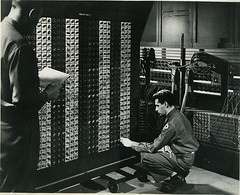 eniac.spence_and_goldstein_working_on_function_table.c1940s.102649731