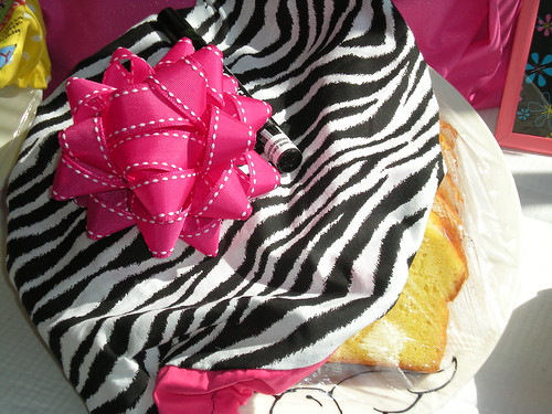 Wild Thing PlateWrap with Pink Grosgrain bow