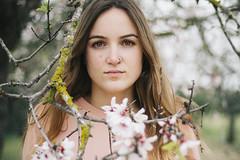 Breathe. (Joana Ginart) Tags: canon 600d canon600d mallorca spain photography picture portrait retrato girl chica flowers flores pink rosa white blanco village campo pueblo eyes ojos