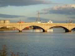 Torry Bridge and Aberdeen Harbour (Queenbie) Tags: bridge boats coast harbour aberdeen torry aberdeenharbour