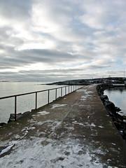 (Sameli) Tags: winter sea snow cold suomi finland helsinki breakwater