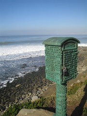 Lifeguard Box (peaflockster) Tags: ocean beach palms surf pacific lajolla seals stormsurge bigwaves thecove roughwater kellementology
