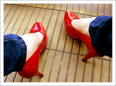 My pinup feet ( Electric Barbarella) Tags: red feet shoes tacos zapatos pies heels altos rojos charol