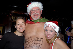 015 Santa Speedo Run 2007 (Violentz) Tags: christmas charity winter men boston bar women skin run speedo santahat allrightsreserved 2007 lir santaspeedorun boylstonst 2009patricklentzphotography patricklentzphotography