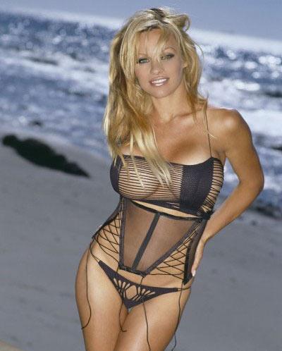 Pamela Anderson by QayNar.info